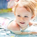 U zahradního bazén(k)u nespusťte děti z očí