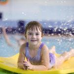 7 dobrých důvodů, proč se vyplatí přihlásit dítě na kurz plavání