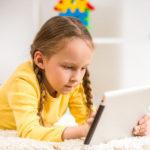 Víte, že 41 % dětí se na internetu setkalo s agresí?